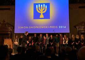 Students of the Rhön-Gymnasium, the Director Edith Degenhardt, and the project leader Günter Henneberger, seen here receiving the Simon Snopkowski Award in the Emperor's Hall of the Munich Residenz, Germany
